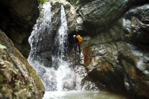 forra-del-rio-freddo-discesa-in-corda