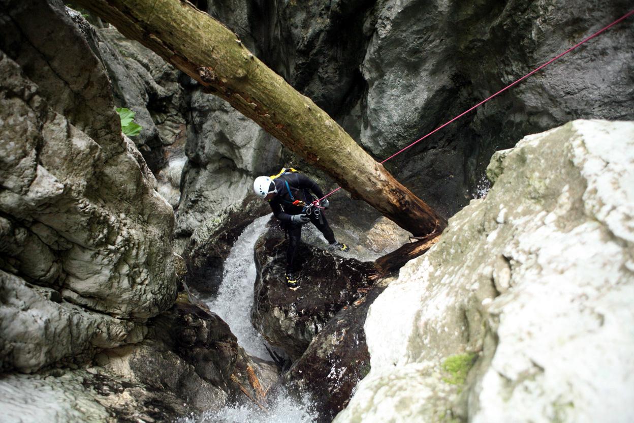 forra-del-rio-freddo-discesa-in-corda-canyon